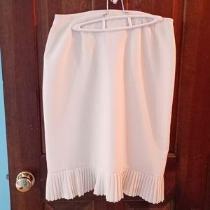 Le Suit cream dress skirt